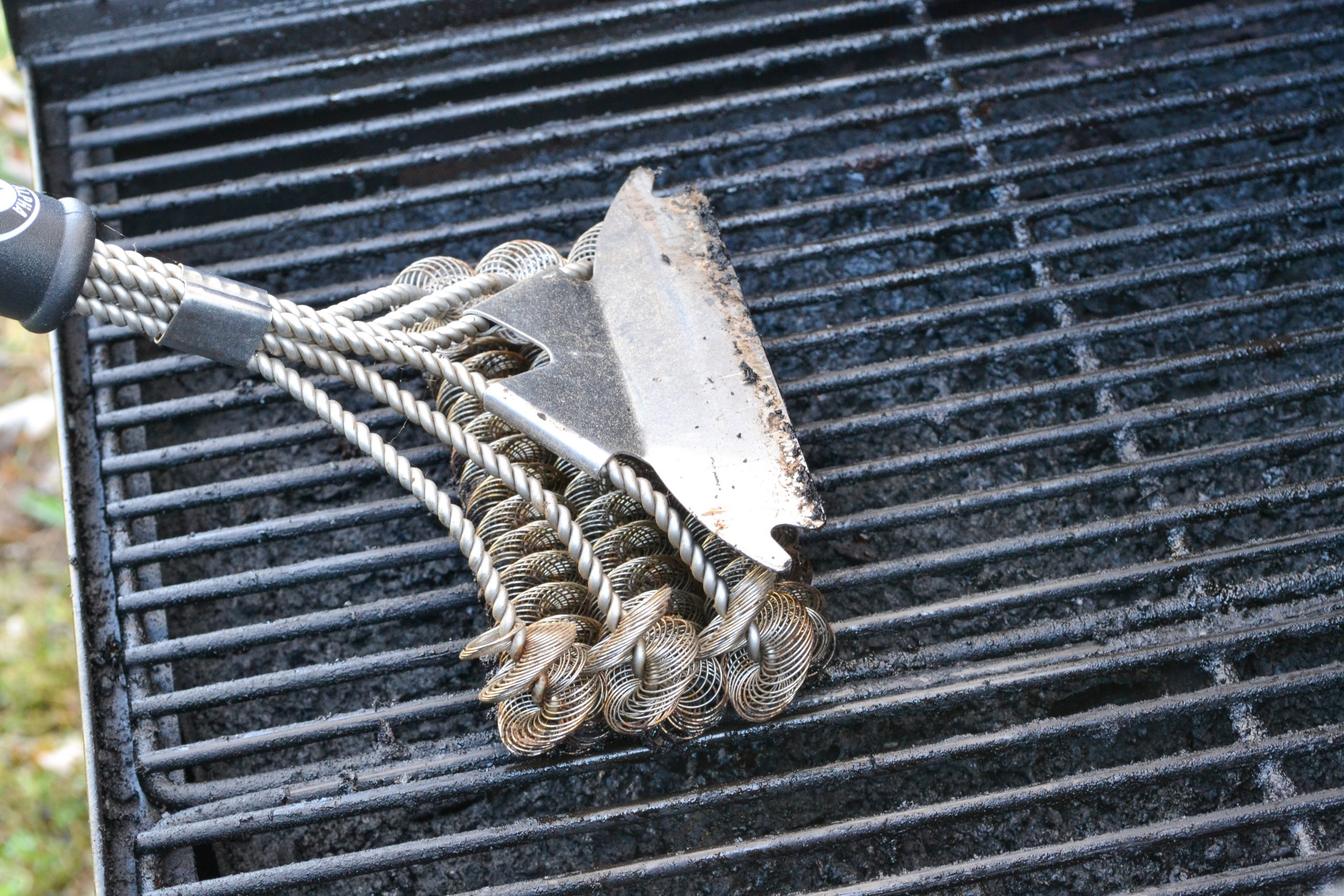 cleaning a pellet grill
